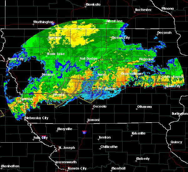Radar Image for Severe Thunderstorms near Adel, IA at 8/11/2016 8:44 PM CDT