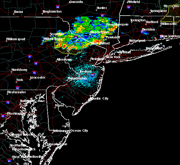 Radar Image for Severe Thunderstorms near Mountain Lake, NJ at 8/13/2016 11:31 PM EDT