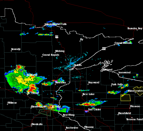 Radar Image for Severe Thunderstorms near Chickamaw Beach, MN at 8/16/2016 5:33 PM CDT