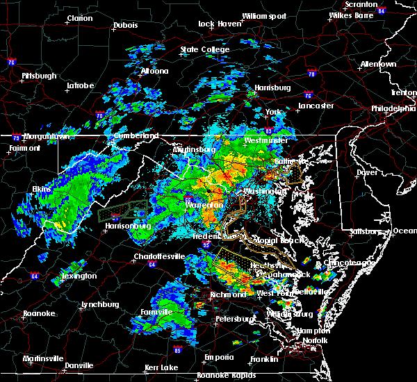 Radar Image for Severe Thunderstorms near Tappahannock, VA at 8/17/2016 8:51 PM EDT