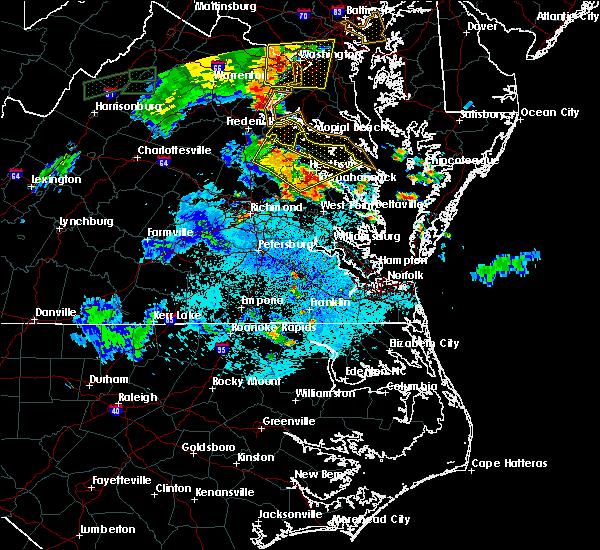 Radar Image for Severe Thunderstorms near Tappahannock, VA at 8/17/2016 9:07 PM EDT