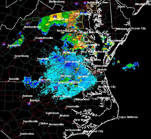 Radar Image for Severe Thunderstorms near Tappahannock, VA at 8/17/2016 9:18 PM EDT