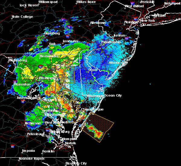 Radar Image for Severe Thunderstorms near Georgetown, MD at 8/17/2016 10:14 PM EDT