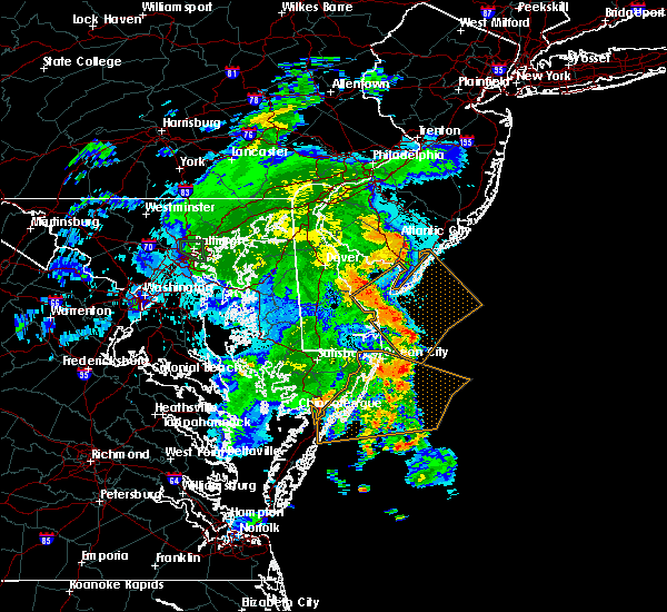 Radar Image for Severe Thunderstorms near Sea Isle City, NJ at 8/18/2016 12:08 AM EDT