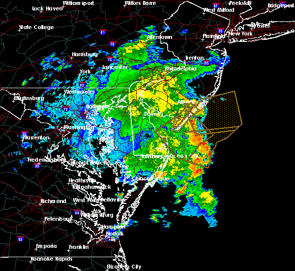 Radar Image for Severe Thunderstorms near Sea Isle City, NJ at 8/18/2016 12:44 AM EDT