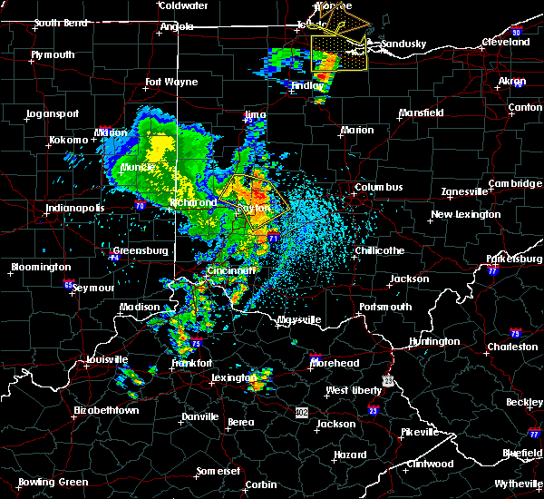 Radar Image for Severe Thunderstorms near Piqua, OH at 8/27/2016 3:38 PM EDT