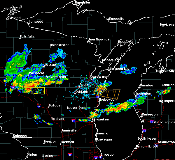Radar Image for Severe Thunderstorms near Manitowoc, WI at 9/6/2016 5:01 PM CDT