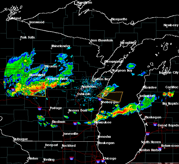 Radar Image for Severe Thunderstorms near Manitowoc, WI at 9/6/2016 5:13 PM CDT