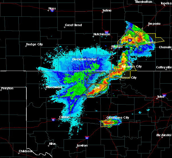 Radar Image for Severe Thunderstorms near Waukomis, OK at 10/4/2016 8:47 PM CDT