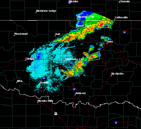 Radar Image for Severe Thunderstorms near Prague, OK at 10/4/2016 11:12 PM CDT