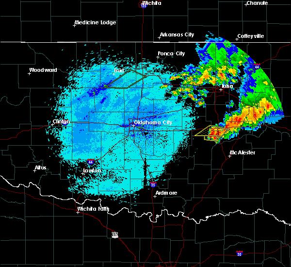 Radar Image for Severe Thunderstorms near Dustin, OK at 10/5/2016 1:49 AM CDT