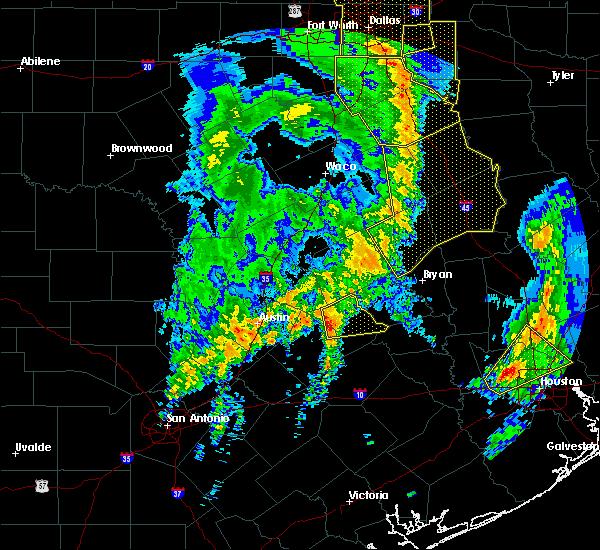 Radar Image for Severe Thunderstorms near Lexington, TX at 1/2/2017 5:40 AM CST