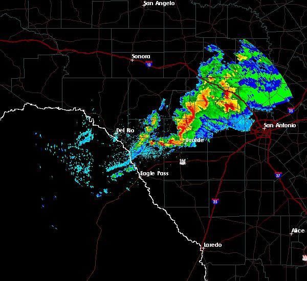 Radar Image for Severe Thunderstorms near Uvalde Estates, TX at 1/15/2017 8:28 PM CST