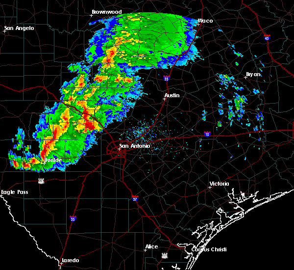 Radar Image for Severe Thunderstorms near Boerne, TX at 1/15/2017 8:41 PM CST
