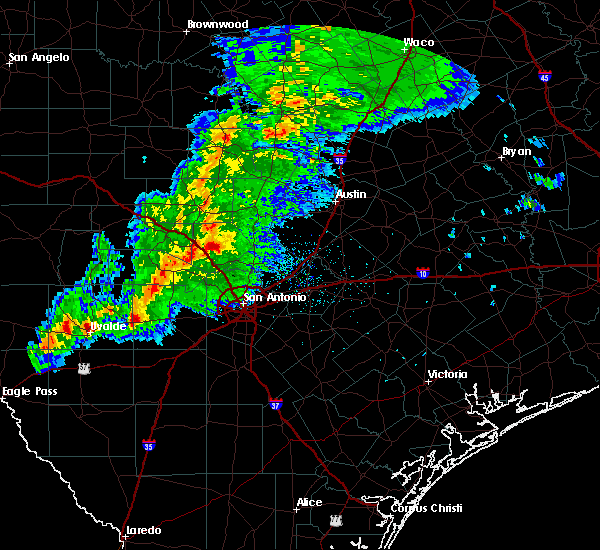 Radar Image for Severe Thunderstorms near Boerne, TX at 1/15/2017 9:26 PM CST