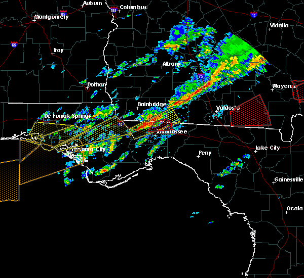 Radar Image for Severe Thunderstorms near Tallahassee, FL at 1/22/2017 9:07 AM EST