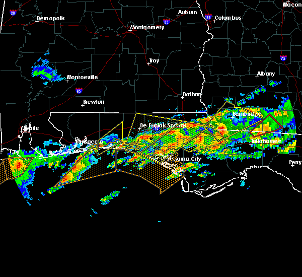 Radar Image for Severe Thunderstorms near Niceville, FL at 1/22/2017 8:25 AM CST