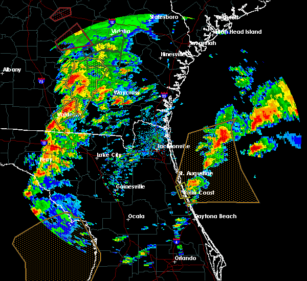 Radar Image for Severe Thunderstorms near Crescent Beach, FL at 1/22/2017 4:44 PM EST