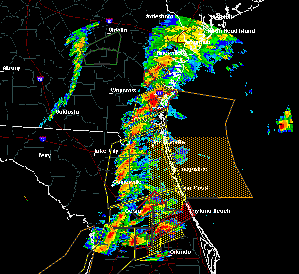 Radar Image for Severe Thunderstorms near Callahan, FL at 1/22/2017 6:47 PM EST