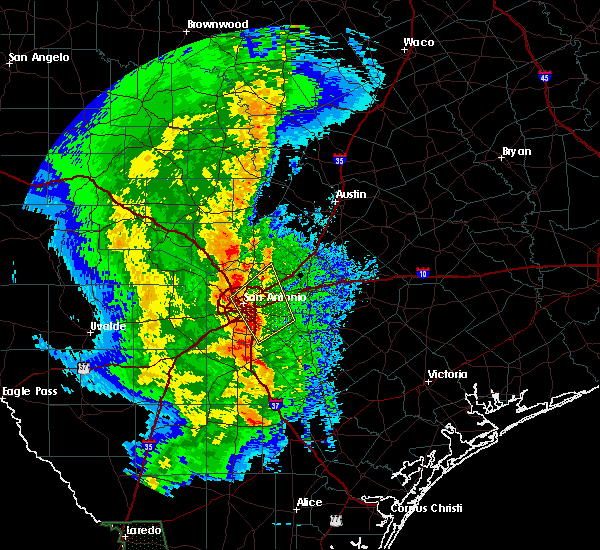 Radar Image for Severe Thunderstorms near Alamo Heights, TX at 2/19/2017 10:39 PM CST