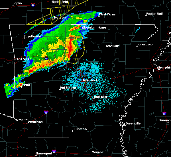 Radar Image for Severe Thunderstorms near Marshall, AR at 3/1/2017 2:15 AM CST