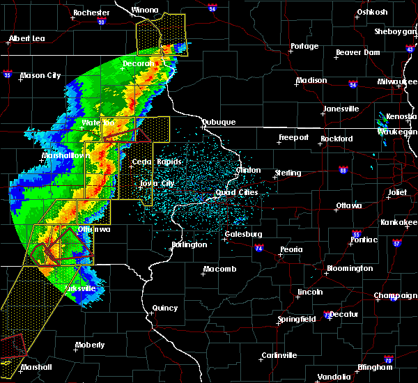 Radar Image for Severe Thunderstorms near Rowley, IA at 3/6/2017 8:44 PM CST
