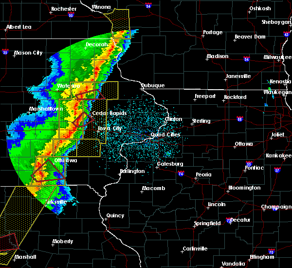 Radar Image for Severe Thunderstorms near Rowley, IA at 3/6/2017 8:50 PM CST