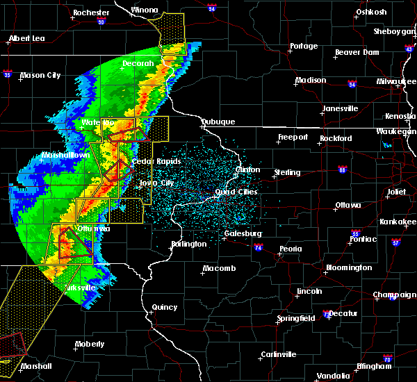 Radar Image for Severe Thunderstorms near Rowley, IA at 3/6/2017 8:56 PM CST