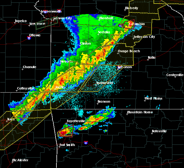Radar Image for Severe Thunderstorms near St. Elizabeth, MO at 3/6/2017 10:26 PM CST