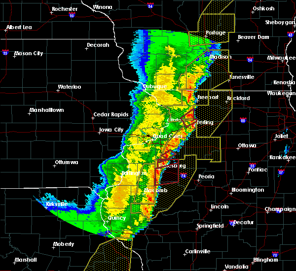 Radar Image for Severe Thunderstorms near Cambridge, IL at 3/6/2017 11:18 PM CST
