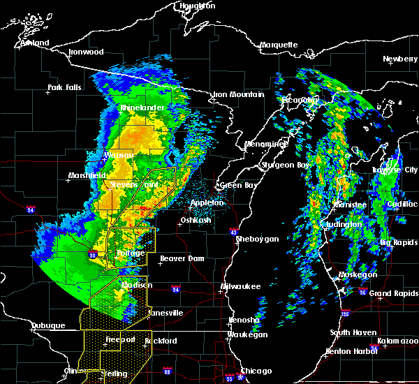 Radar Image for Severe Thunderstorms near King, WI at 3/6/2017 11:28 PM CST