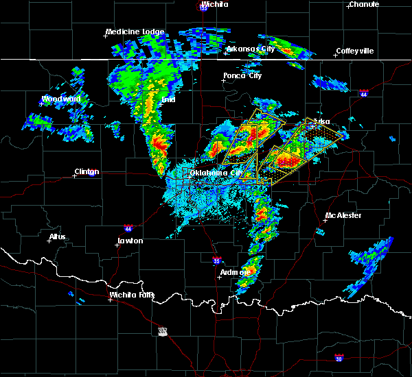 Radar Image for Severe Thunderstorms near Prague, OK at 4/4/2017 4:26 PM CDT