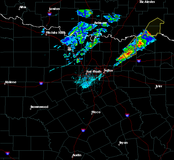 Radar Image for Severe Thunderstorms near Honey Grove, TX at 4/4/2017 8:09 PM CDT