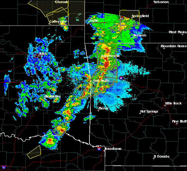 Radar Image for Severe Thunderstorms near St. Paul, AR at 4/4/2017 8:18 PM CDT