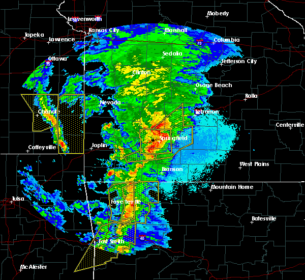 Radar Image for Severe Thunderstorms near Ozark, MO at 4/4/2017 8:36 PM CDT