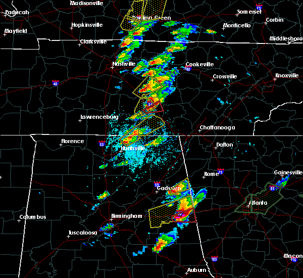 Radar Image for Severe Thunderstorms near Tullahoma, TN at 4/5/2017 4:32 PM CDT