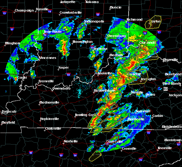Radar Image for Severe Thunderstorms near Frankfort, KY at 4/5/2017 6:39 PM EDT