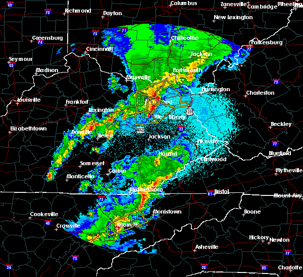 Radar Image for Severe Thunderstorms near Morehead, KY at 4/5/2017 9:27 PM EDT