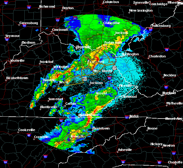 Radar Image for Severe Thunderstorms near Irvine, KY at 4/5/2017 9:31 PM EDT