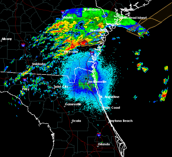 Radar Image for Severe Thunderstorms near Jesup, GA at 4/5/2017 10:26 PM EDT