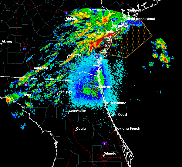 Radar Image for Severe Thunderstorms near Jesup, GA at 4/5/2017 11:15 PM EDT