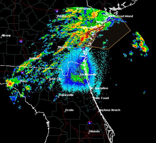 Radar Image for Severe Thunderstorms near Jesup, GA at 4/5/2017 11:24 PM EDT