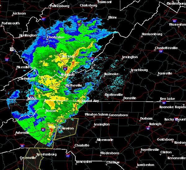 Radar Image for Severe Thunderstorms near Taylorsville, NC at 4/6/2017 12:56 AM EDT