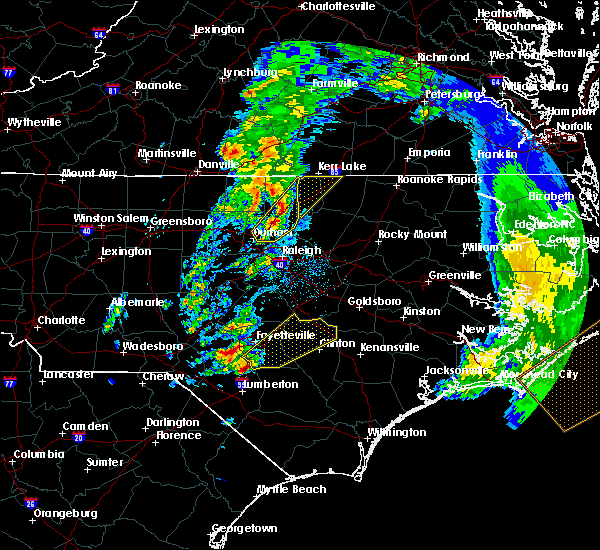 Radar Image for Severe Thunderstorms near Fayetteville, NC at 4/6/2017 7:58 AM EDT