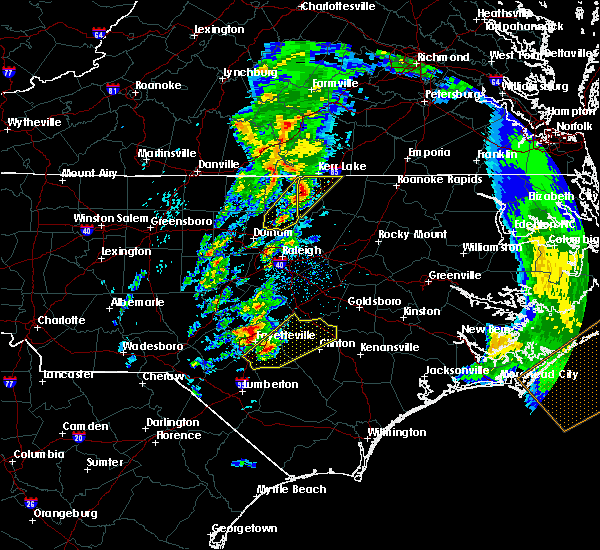 Radar Image for Severe Thunderstorms near Fayetteville, NC at 4/6/2017 8:10 AM EDT