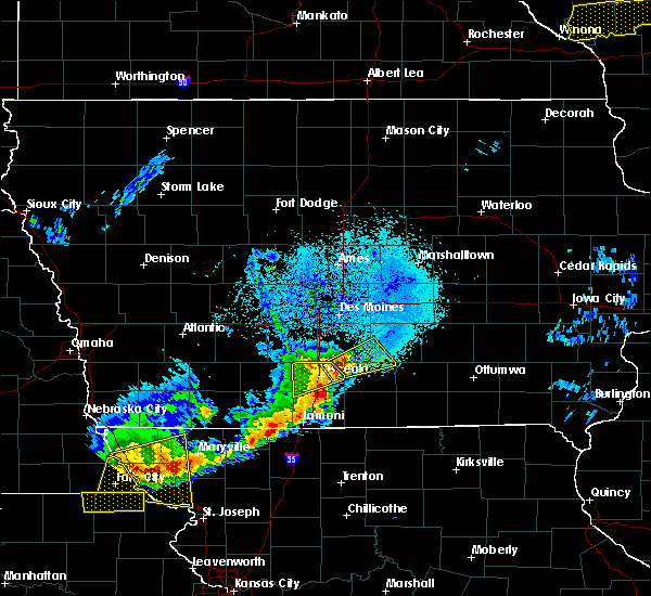 Radar Image for Severe Thunderstorms near Woodburn, IA at 4/10/2017 12:04 AM CDT