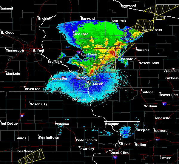 Radar Image for Severe Thunderstorms near Hatfield, WI at 4/10/2017 12:27 AM CDT