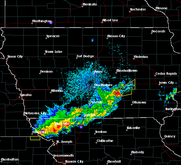 Radar Image for Severe Thunderstorms near Hartwick, IA at 4/10/2017 12:47 AM CDT