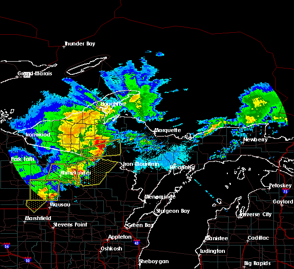 Radar Image for Severe Thunderstorms near Crandon, WI at 4/10/2017 12:57 AM CDT