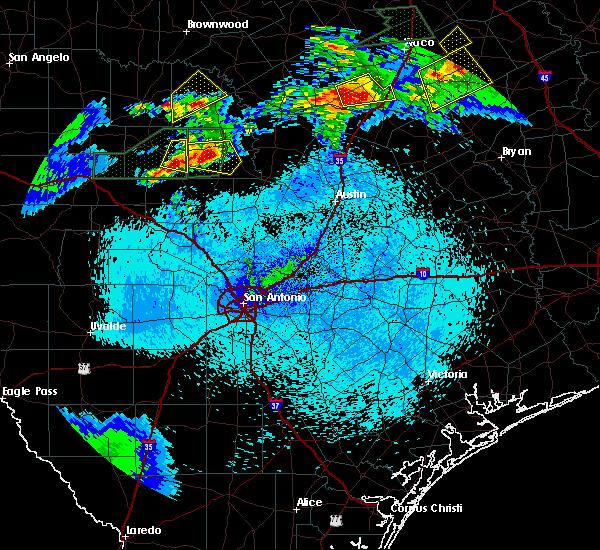 Radar Image for Severe Thunderstorms near Llano, TX at 4/10/2017 11:07 PM CDT